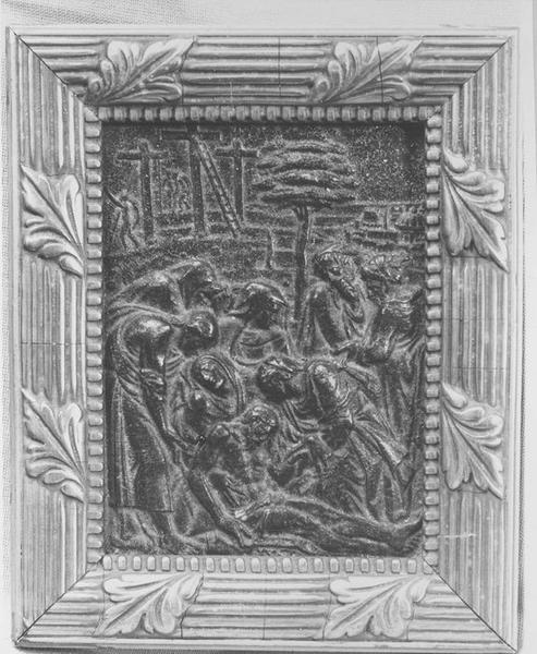 bas-relief: la Déposition de croix, vue générale