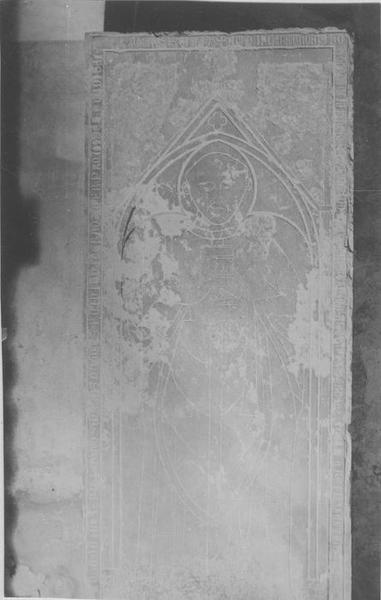 Dalle funéraire de l'abbé de Bonneval