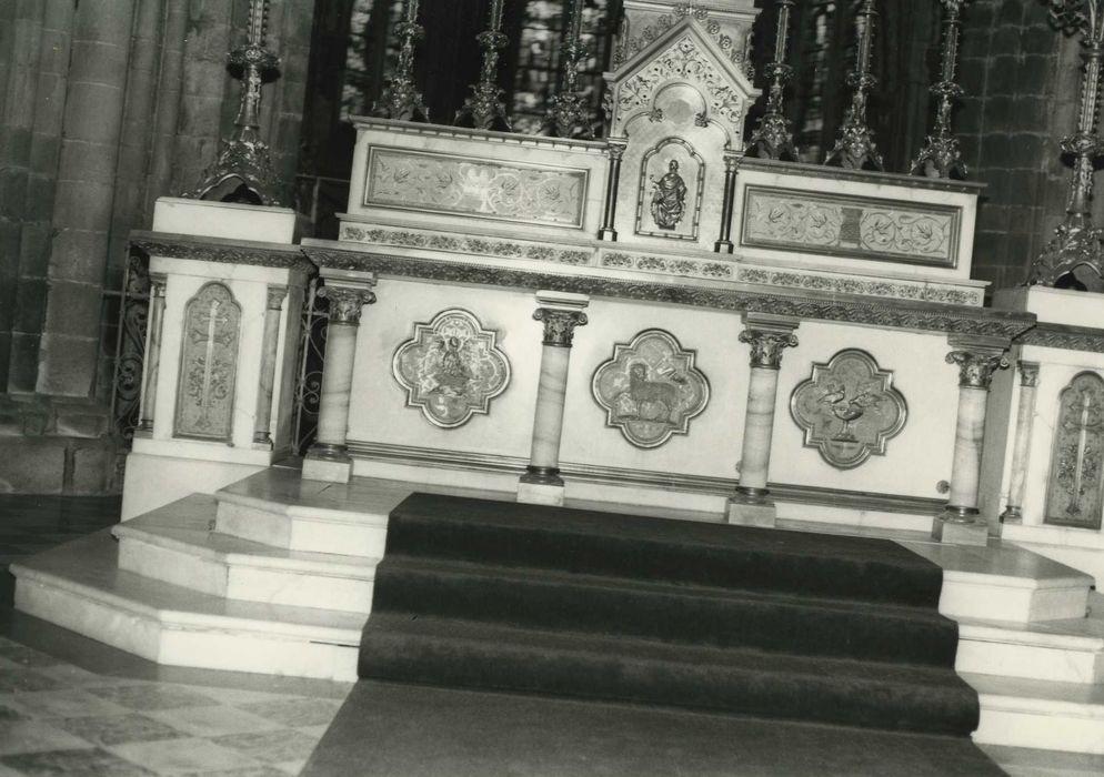autel (maître-autel) et son tabernacle, vue générale
