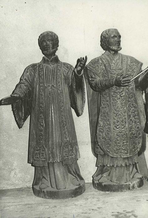 Deux statues : Saint Ignace et Saint François-Xavier