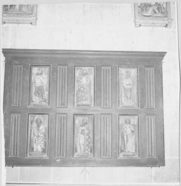 12 bas-reliefs : les Apôtres
