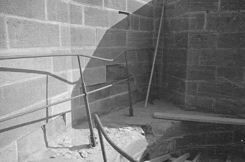 Tour de l'Inquisition : travaux de réfection après l'incendie ayant détruit le couronnement de la tour