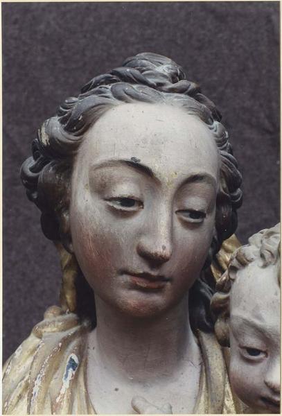 Statue: Vierge à l'Enfant, détail