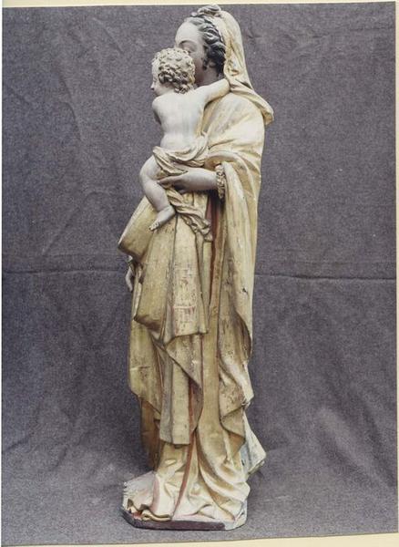 Statue: Vierge à l'Enfant, profil gauche, vue générale