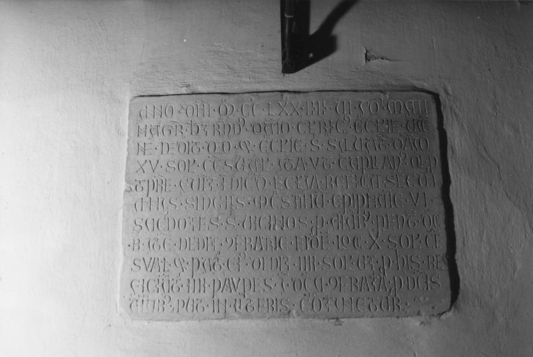 plaque commémorative de fondation obituaire