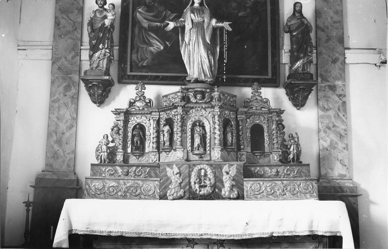Maître-autel et retable, bois sculpté, doré et peint