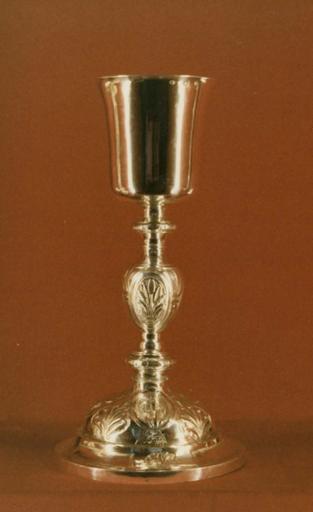 Calice, patène, argent repoussé et ciselé, vers 1809