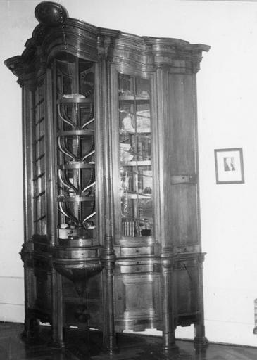 Meuble minéralogique (vitrine)