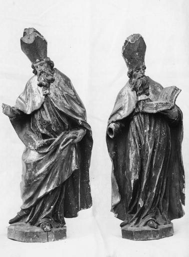 Statues (2) : évêques (?) de part et d'autre du tabernacle, bois