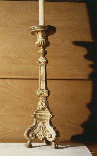Chandelier, bois sculpté et doré