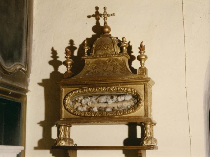 Reliquaire, bois sculpté, ciselé et doré