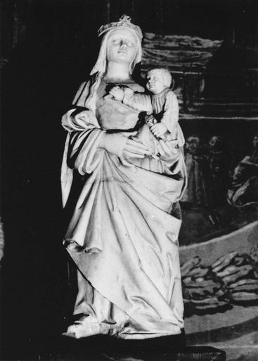 Statue : Vierge à l'Enfant, marbre
