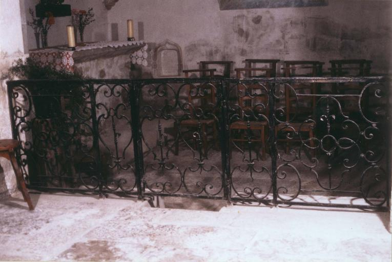 Clôture de chapelle, fer forgé