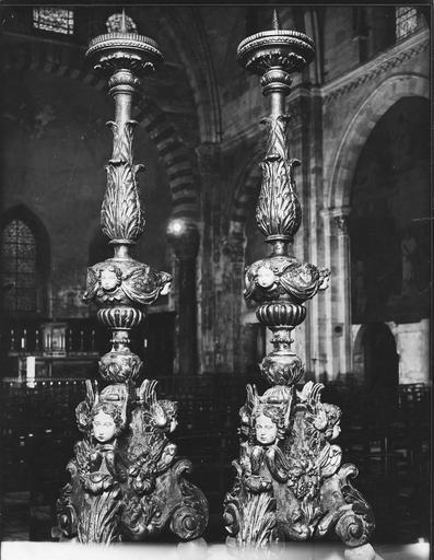2 chandeliers, bois sculpté et polychromé