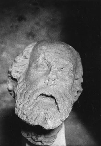 Statue (tête) : Apôtre (saint Paul ?)