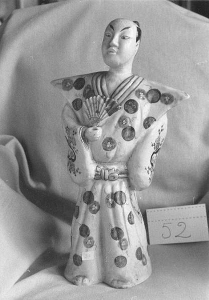 Statuette : bonze ou mandarin, vue générale