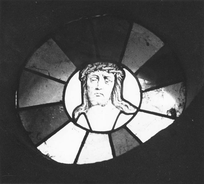 Verrière : Le Christ couronné d'épines, vue générale