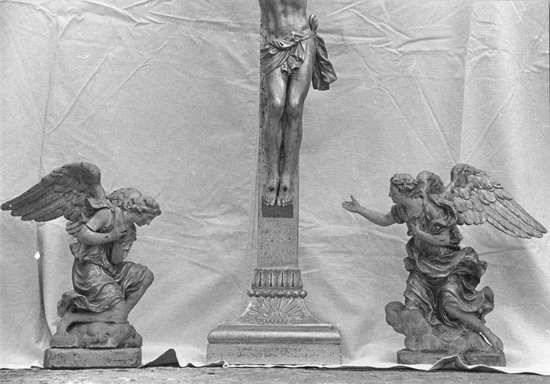 Statues (2) : Angelots, vue générale