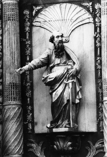 Autel, retable, tabernacle, gradin d'autel, 2 statues : Saint Paul, Saint François-Xavier, tableau : La Conversion de saint Paul (maître-autel)