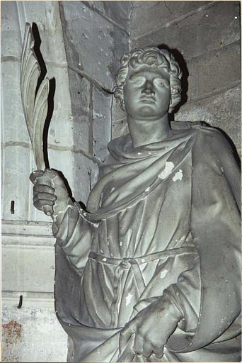 statue : saint Gervais, vue rapprochée