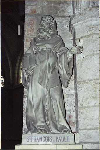 statue : saint François de Paule
