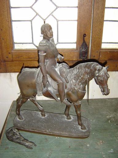 Statuette équestre du comte de Chambord
