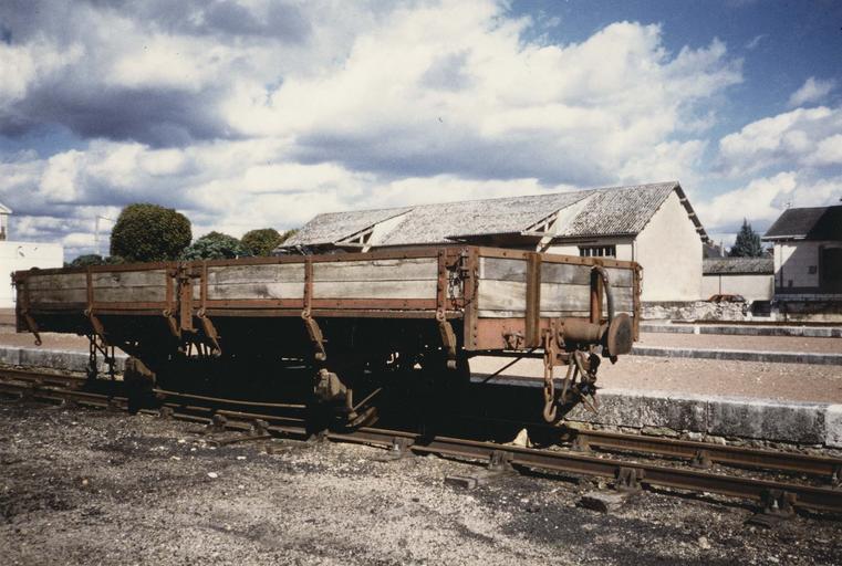 wagon plat type court, à voie métrique, 445