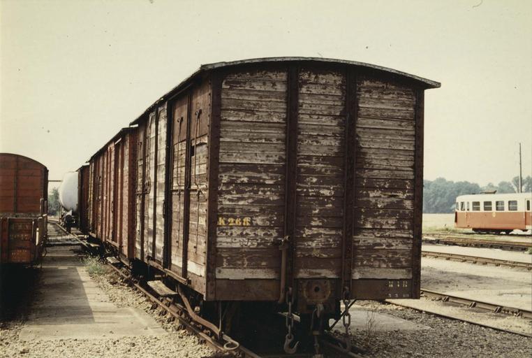wagon couvert à voie métrique, K 268