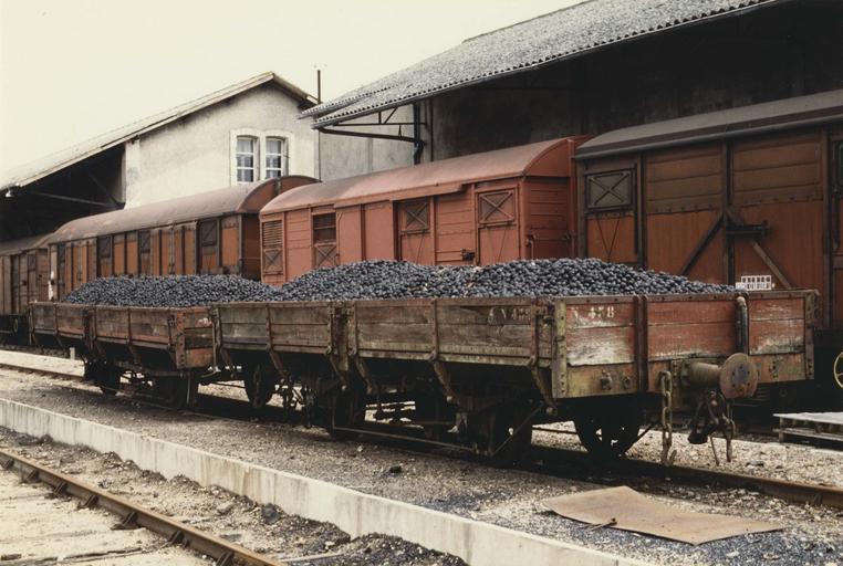 wagon plat type long, à voie métrique, 471