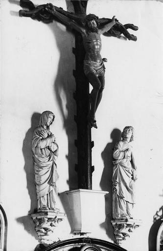 Calvaire : Christ en croix, la Vierge et saint Jean (le)