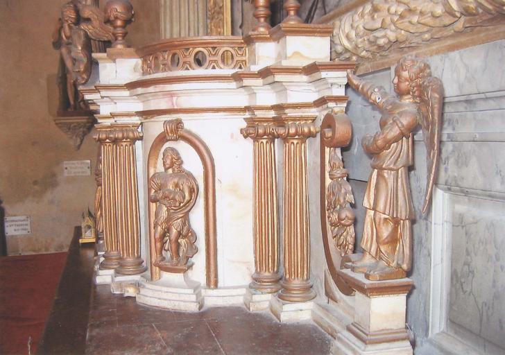 Détail du tabernacle du maître-autel, partie droite avec statuette ange, berger