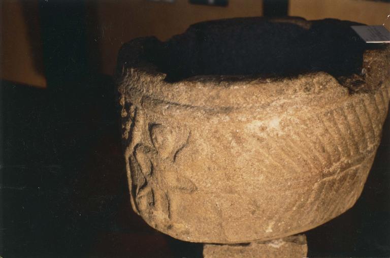Fonts baptismaux, pierre, détail