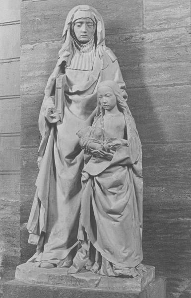 Groupe sculpté : Sainte Anne avec la Vierge tenant l'Enfant Jésus