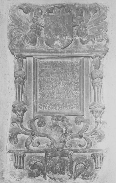 Plaque funéraire de Claude de Tournon