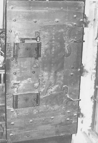 Porte du coffre-fort de la sacristie