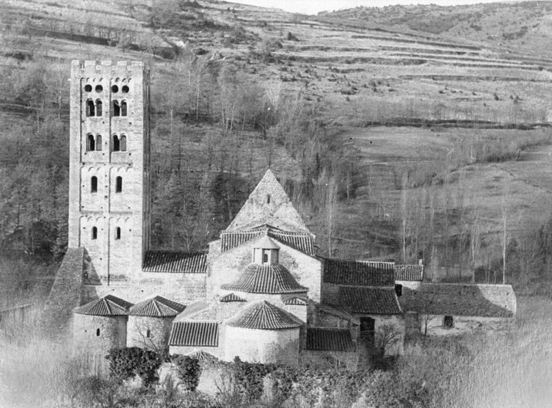 Eglise abbatiale et clocher, côté est