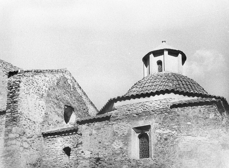 Eglise abbatiale : chapelle à coupole, côté sud