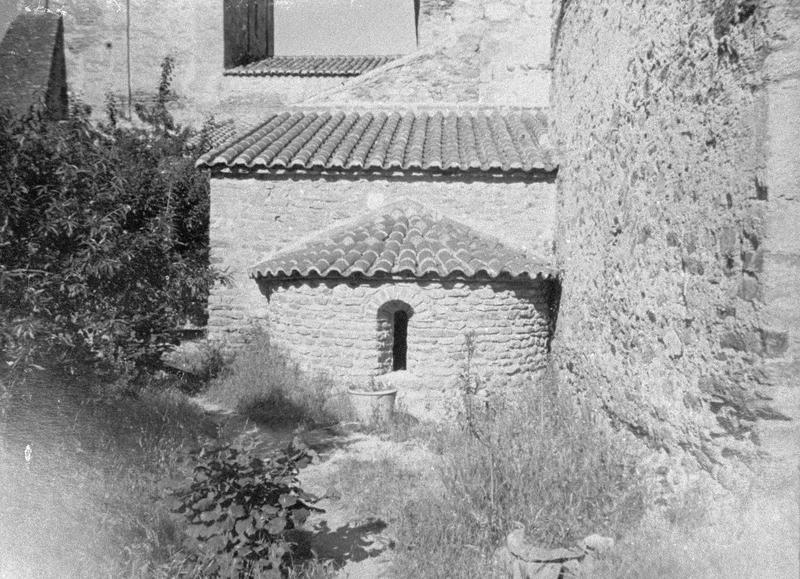 Eglise abbatiale : absidiole sud du choeur, côté est