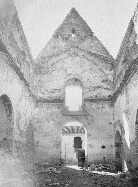 Eglise abbatiale, intérieur : façade ouest depuis la nef (avant restauration)