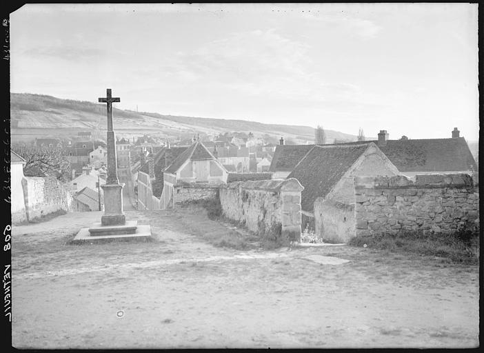 La croix et le village