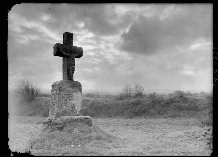 La croix de Bulat, nuages
