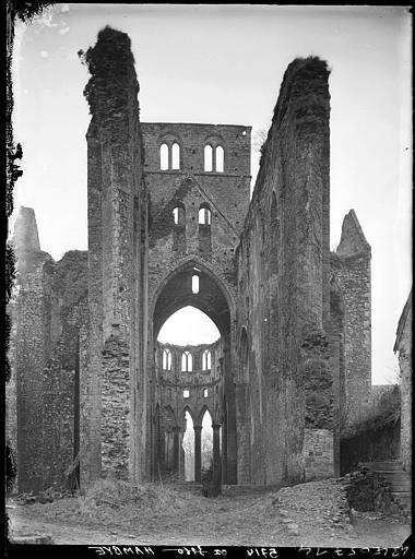 Eglise, ruines