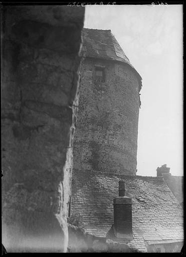 Tour de l'enceinte gallo-romaine