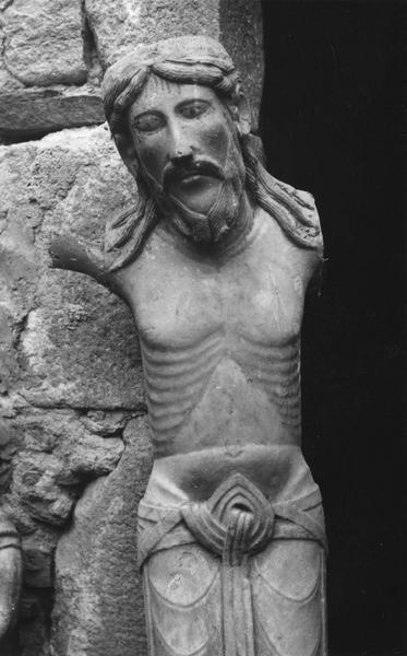 Statue : Christ (le).