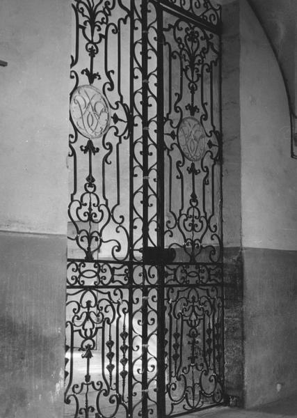 portail (grille ouvrante)