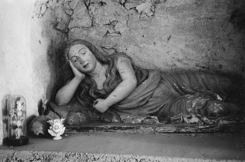 statue (grandeur nature) : sainte Madeleine (supposé)