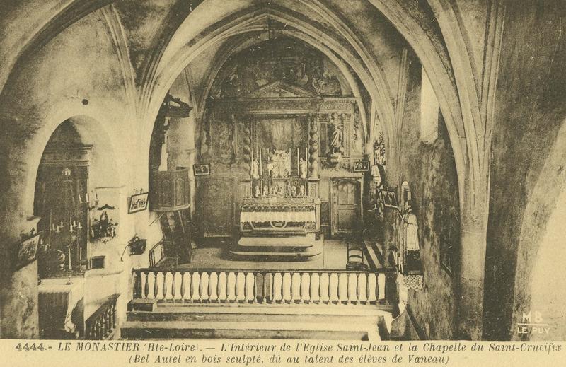 carte postale de l'intérieur de l'église Saint-Jean et de la chapelle du Saint-Crucifix