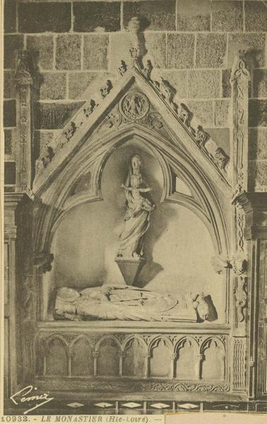 enfeu (gisant) du chanoine Irailh ou de l'évêque du Puy Senecterre