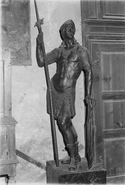 statue (grandeur nature) : guerrier de la légion thébaine (décor de l'ancienne chapelle Saint-Maurice du refuge)