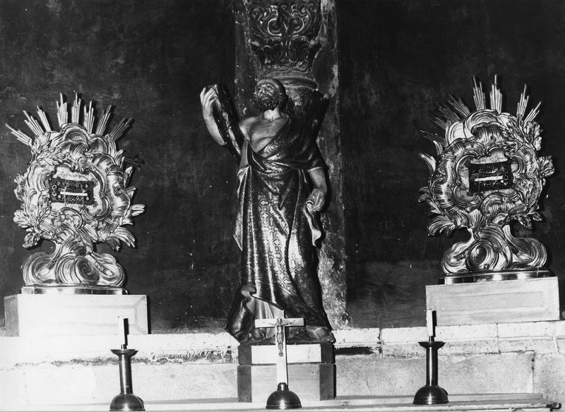 deux reliquaire contenant les reliques des évêques du Puy